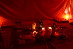 La tente rouge animée par les Doulas de France